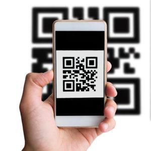 Клиент оплачивает QR код через мобильное приложение, мы информируем Вас о результате оплаты